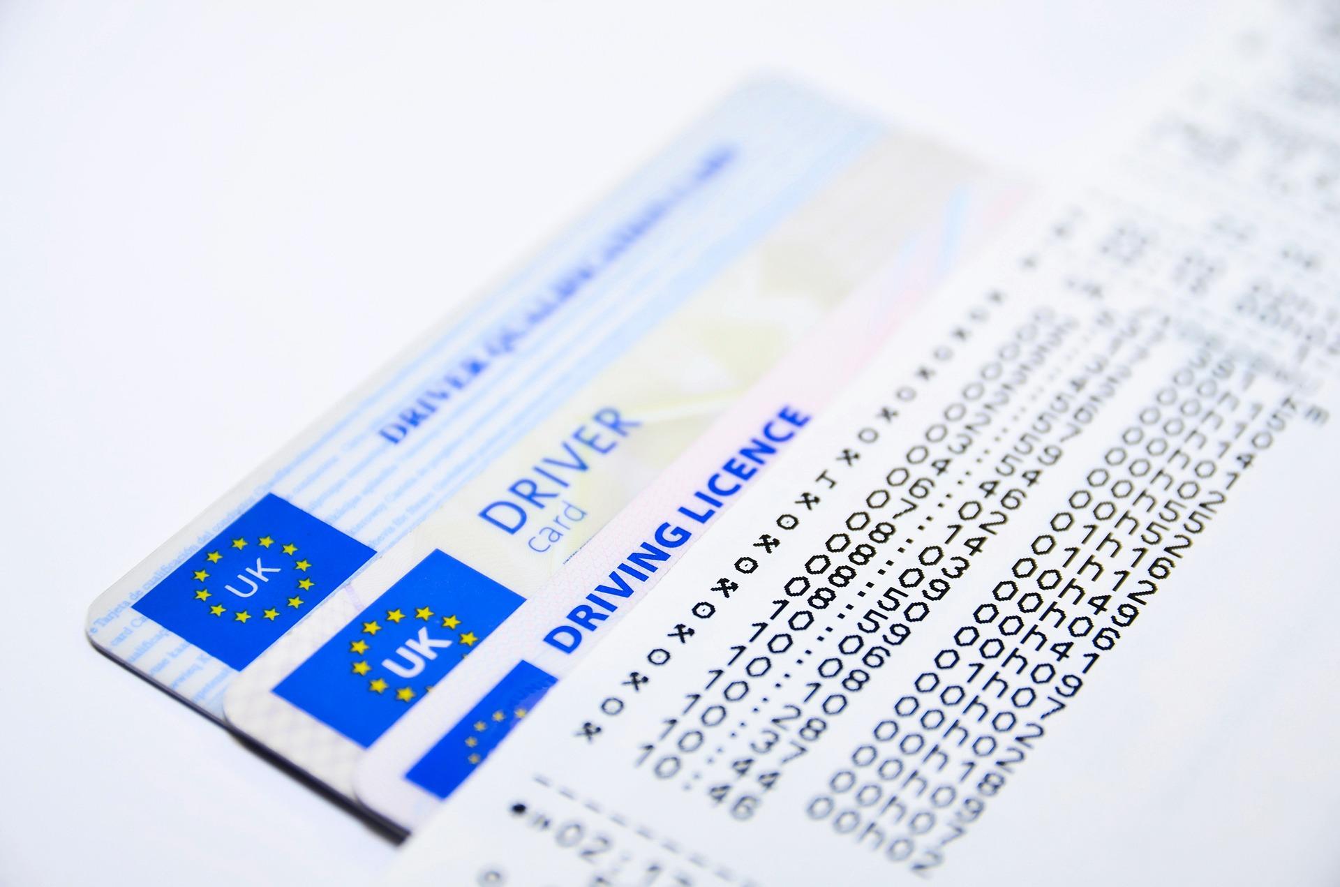 Легализация документов, в том числе водительского удостоверения, в России