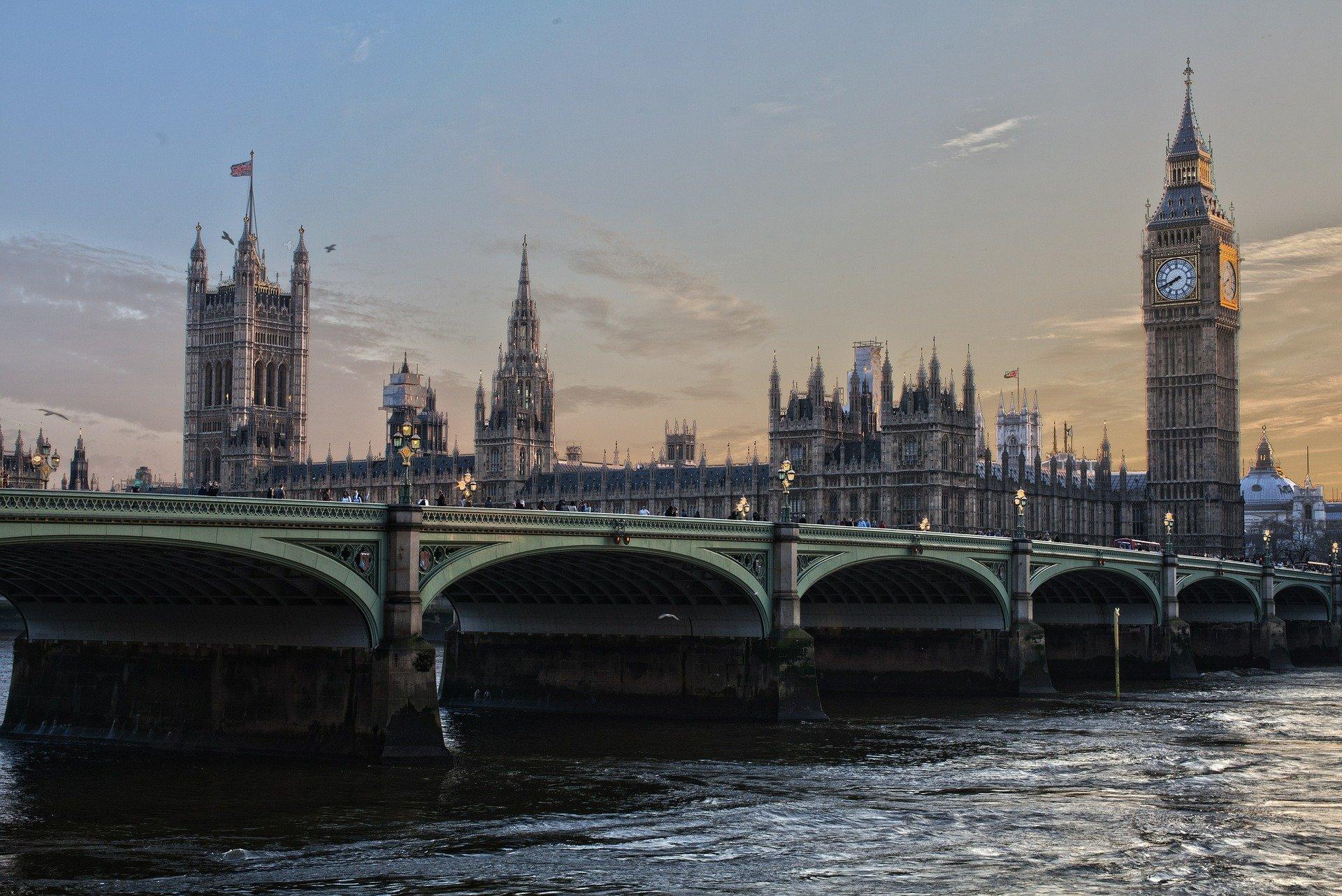 Апостиль в Великобритании