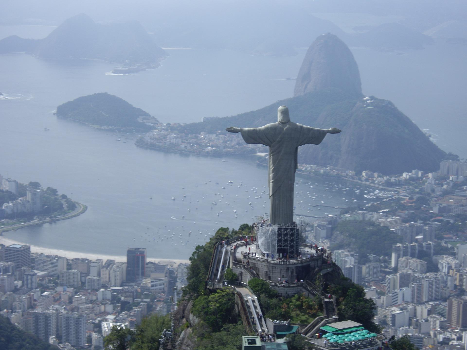 Preparazione dei documenti russi per il Brasile